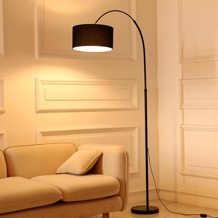 โคมไฟตั้งพื้นอเมริกันโมเดิร์น